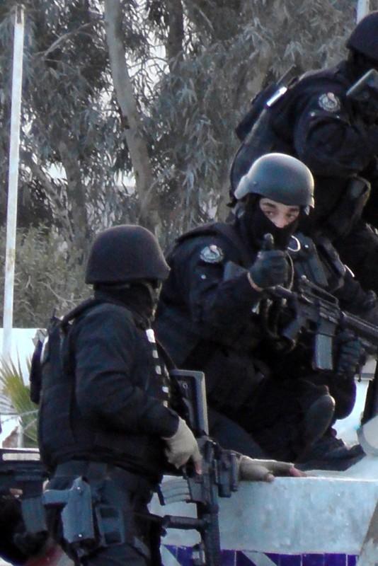 Des affrontements en Tunisie entraînent la mort de 28 jihadistes, 10 membres des forces de l'ordre et 7 civils