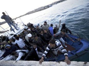 L'Otan accusée de négligence pour la mort en Méditerranée de réfugiés venant de Libye